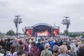 Isle of Wight Festival minibus hire